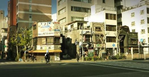 東京都中央区築地3丁目_銅版張り建築など