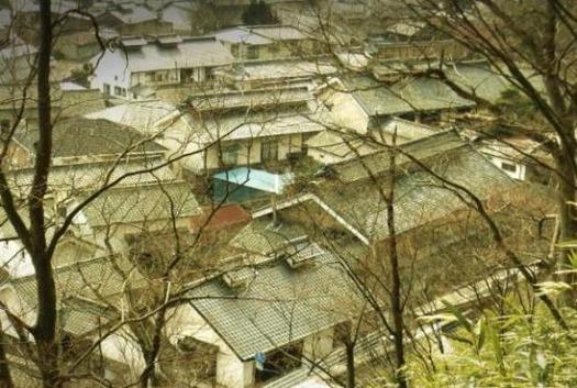 塩尻浄水道座摩浄水池からの眺め (2)