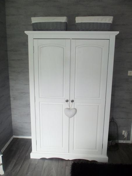 Chambre-ado-Blanc-Gris-Romantique-201307151114100l