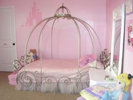Small-Girls-Bedroom-71