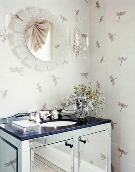 badezimmer-interieuers-klassisch-waschbecken-insekten