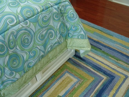 alaina rug bed detail