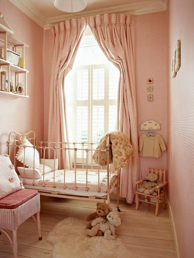 window-treatment-girls-room