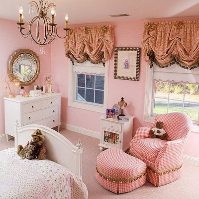 bedroom-for-girls-in-pink