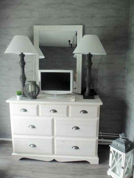 Chambre-ado-Blanc-Gris-Romantique-201307151109289l