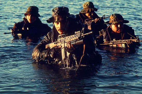 Navy_SEALs_coming_out_of_water