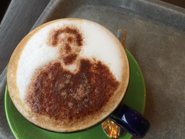◆画像◆レスターの喫茶店で出してくれる岡崎慎司のコーヒーアートワロタwww
