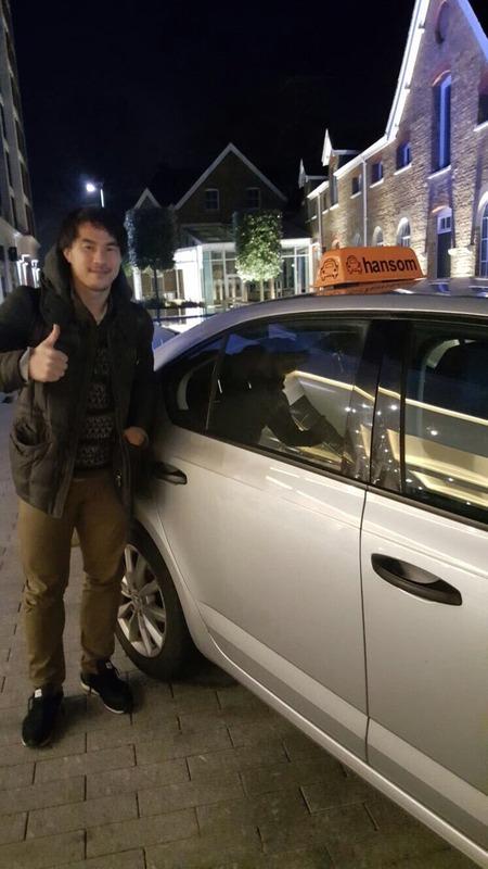 ◆画像◆岡崎慎司選手ハンサムタクシーにご乗車!
