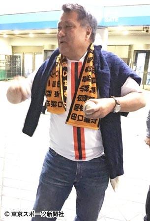 ◆悲報◆東京読売アルディージャ?プロ野球球団がサッカー風ユニ無料配布した結果www