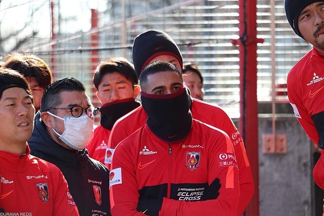 ◆J小ネタ◆浦和サポに朗報、レオナルド始動日から参加、移籍が噂された橋岡も参加