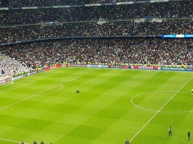 ◆悲報◆レアル・マドリー戦大ポカのバイエルンGKウルライヒ、試合後一人ピッチに取り残される(´・ω・`)