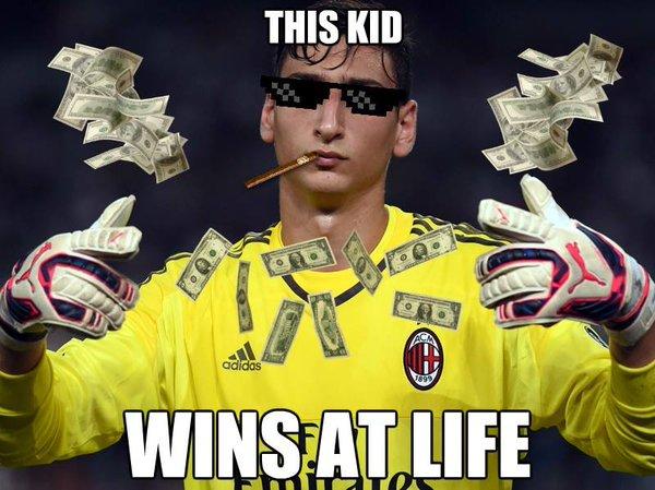 ◆悲報◆ACミランGKドンナルンマ、U21EUROで伊サポから札束を投げつけられる「金に転びやがって!」