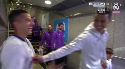 ◆リーガ◆試合直前だと言うのにバスケスのち首を摘んで超楽しそうなクリスティアーノ・ロナウドwwwww