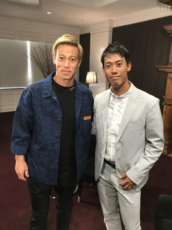 ◆画像◆怪我で離脱中の本田圭佑、全豪オープンで訪れた錦織圭とパシャリ