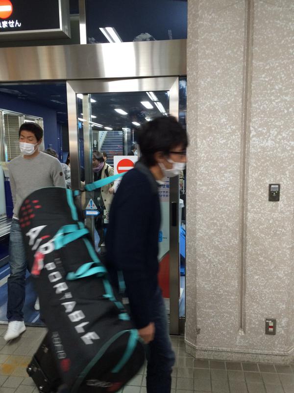 ◆日本代表◆合宿へ移動中の柴崎、昌司(鹿島)、宇佐美、今野(G大阪)永井(名古屋)らが目撃される