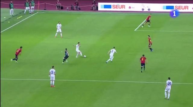 ◆W杯予選珍◆ウナイチャレンジされた瞬間のスペイン代表GKウナイ・シモンの位置を御覧ください(´・ω・`)