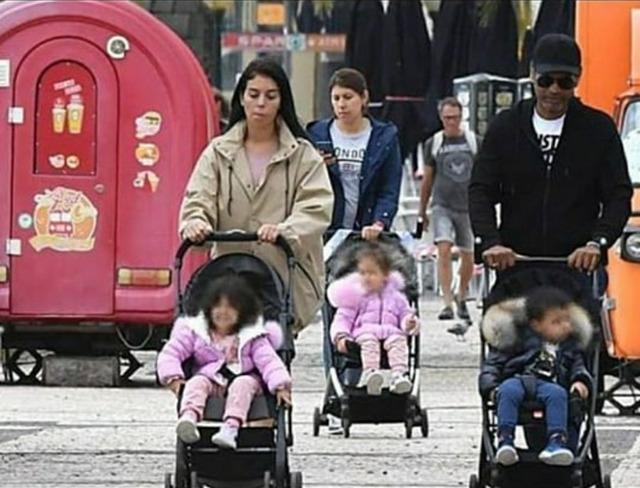 ◆朗報◆クリロナさん、14日間の検疫明けて家族でお散歩と思ったらクリさんだけ影武者だったwww