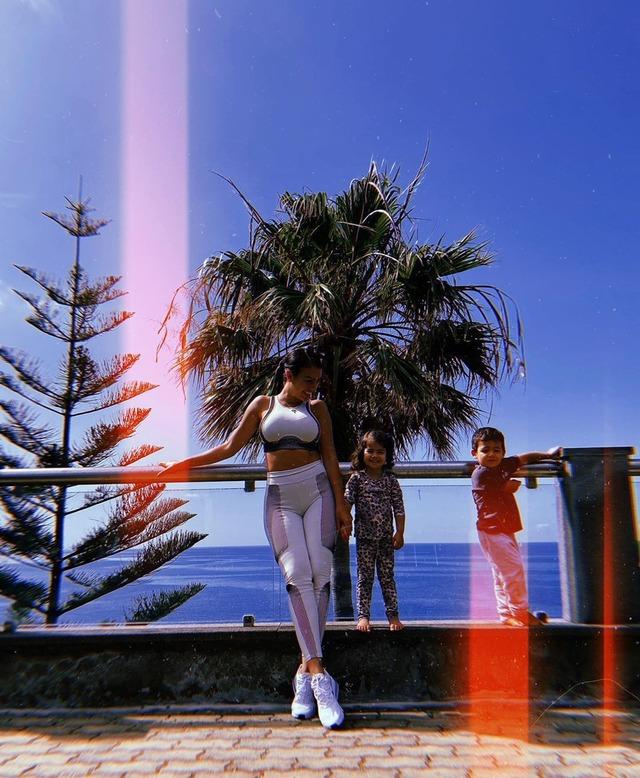 ◆画像◆クリロナさんの彼女、ジョルジナのフィジカルが凄すぎてアフロダンエースみたいになっとる?