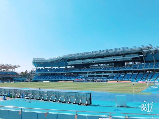◆画像◆和製カンプ・ノウ等々力競技場が目が痛いくらい青いと話題に!