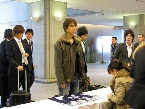 ◆J小ネタ◆トライアウトに私服で出かけた男下村東美さんの天然契約交渉www