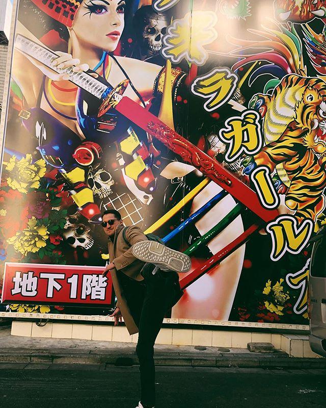 ◆ブンデス◆元ドイツ代表GKアドラー、女優妻と日本で年越し!スーパードライを飲んで<あけおめ!