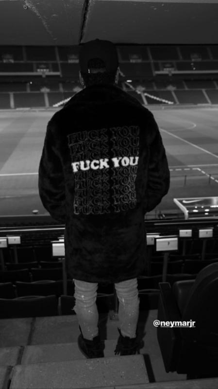 ◆悲報◆ネイマールさん、またまた「F**K You」ジャケットを着てしまう(´・ω・`)