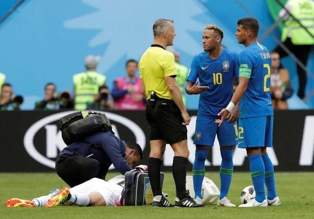 """◆ロシアW杯◆ブラジル代表で内紛勃発か!?チアゴ・シウバ主将の""""当然の行動""""をネイマールが激しく罵倒!"""