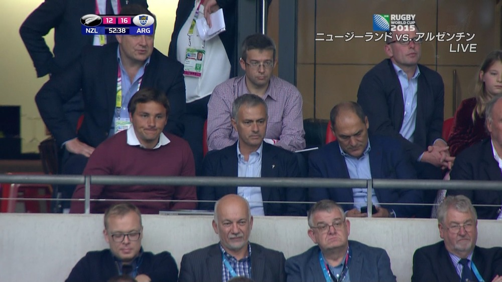 ◆プレミア◆チェルシー監督のモウリーニョ、ウェンブリーでラグビーW杯を観戦、テレビカメラで抜かれる