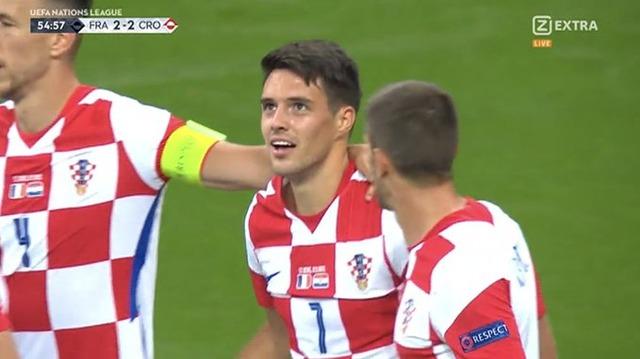 ◆UNL好プレー◆3人に絡まれて弾き飛ばしてドン!フランス戦クロアチア代表MFブレカロのゴールがなにげに凄い