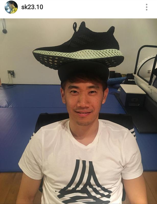 ◆画像◆香川真司さんおもしろ帽子被って超ゴキゲン