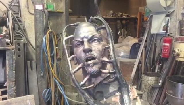 ◆動画小ネタ◆ズラタン・イブラヒモビッチの頭部銅像オブジェがシュール過ぎてワロタwww