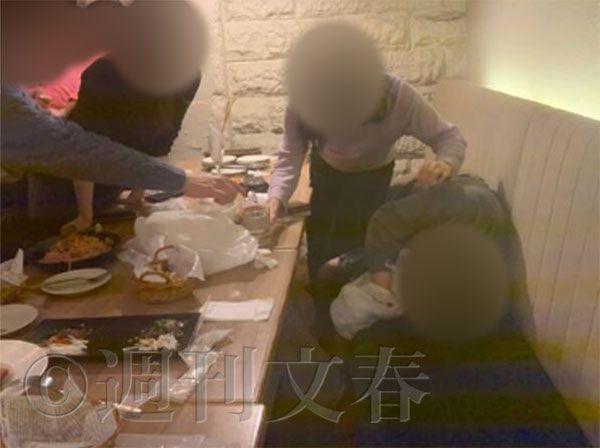 ◆悲報◆慶応病院研修医クラスター、懇親会で・・・男同士の濃厚接吻写真!