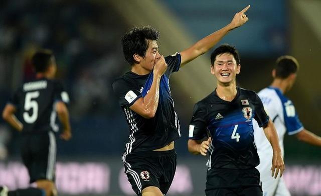 ◆U世代◆U17W杯初戦でハットトリック、三菱養和のイケメン中村敬斗はどこに加入するのか語るスレ