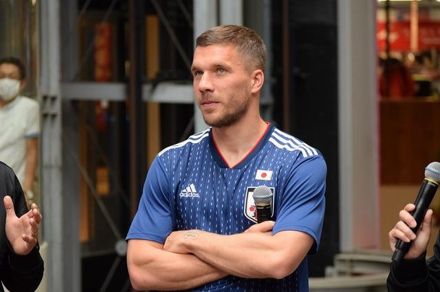 ◆画像◆神戸の元ドイツ代表FWルーカス・ポドルスキが日本代表ユニを着た結果w