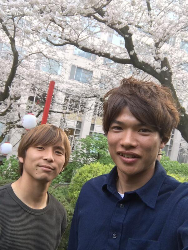 ◆画像◆ホタりたい気分満々??乾貴士と扇原貴宏が桜の樹の下でパシャリ!(´・ω・`)
