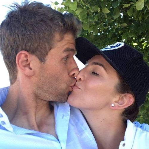 ◆画像◆シャビ・アロンソと妻、トマス・ミュラーと妻のキスを比較した結果wwwww