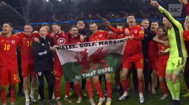 ◆悲報◆ギャレス・ベイルさん「ウェールズ・ゴルフ・マドリー」と書いたウェールズ国旗持って大爆笑画像流出!