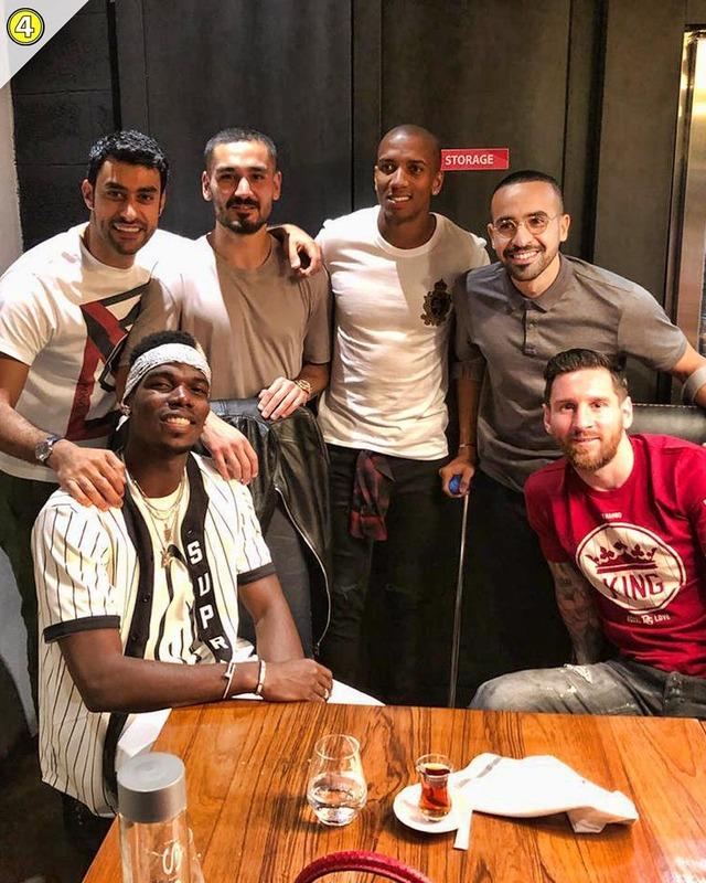 ◆画像・動画◆ドゥバイの塩振りトルコ人シェフのレストランでポグバとメッシが遭遇!