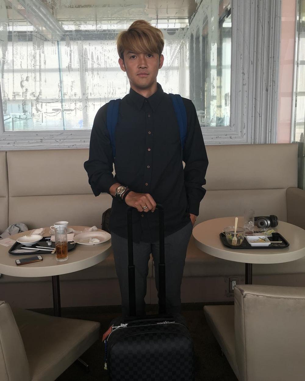 ◆悲報◆宇佐美貴史、グルテンフリー始めて空港レストランで頼めるものなし!空腹のまま機上の人に