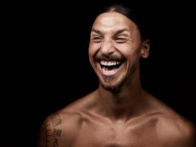 ◆画像◆イブラヒモビッチがUPした笑顔に狂気を感じる(´・ω・`)