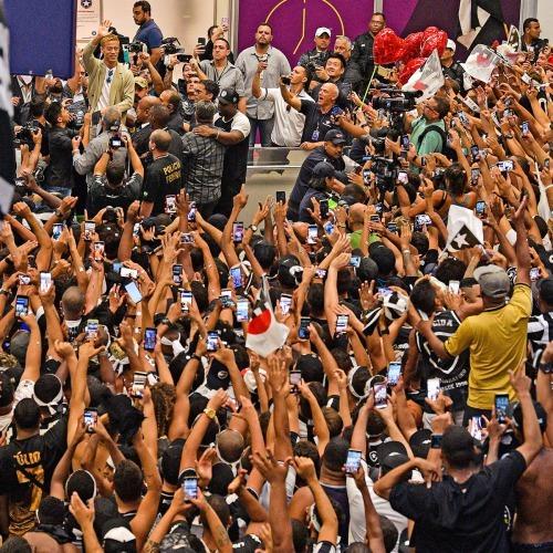 ◆驚愕◆本田圭佑を歓迎するボタフォゴファンの熱烈ぶりがほとんど宗教儀式的になってる件www