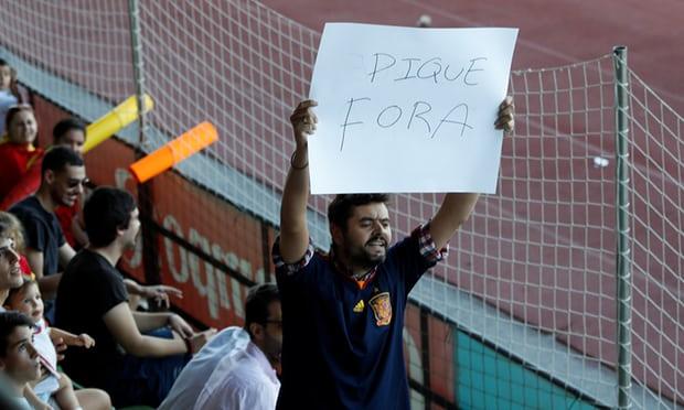 ◆悲報◆ジェラール・ピケ、代表練習でファンに出て行けと言われる(カタルーニャ独立問題で)