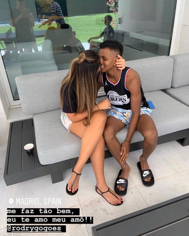 ◆画像◆マドリーでブレーク中の18歳ロドリゴくんは既にナイスな彼女と同居している模様www