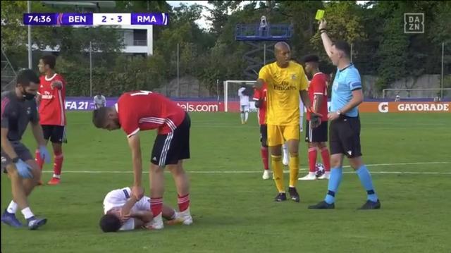 ◆悲報◆ベンフィカGK小久保ブライアンくん、UEFAユースリーグ決勝マドリー戦でキレてしまう(´・ω・`)