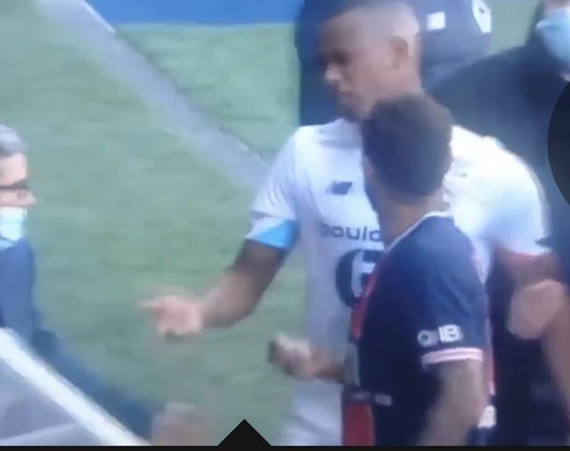 ◆リーグ・アン◆リール戦退場処分の上相手DFジャロと口論しながら退場したネイマールさん、2試合出場停止処分