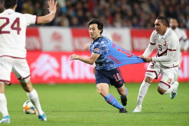 ◆朗報◆日本代表迷彩新ユニ…メッチャ伸びる