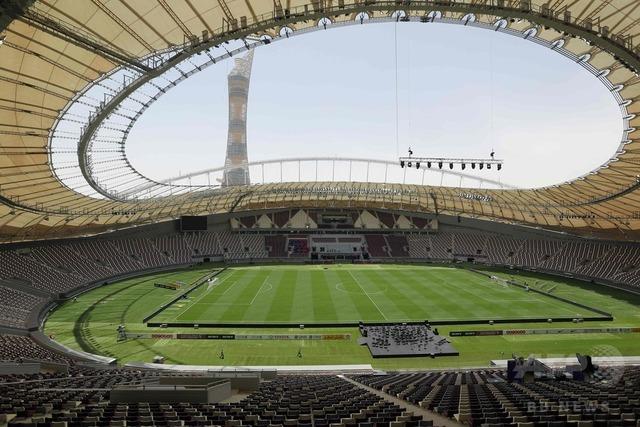 ◆悲報◆冷房完備、カタールのW杯スタジアムがクソスタ、トラックもないのにピッチが広すぎ
