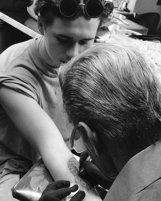 ◆画像◆ブルックリン・ベッカム、ついにタトゥーデビュー 父の姿に憧れて