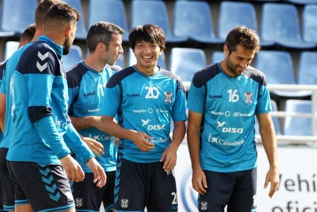 ◆朗報◆柴崎岳、すっかりチームに溶け込む。練習中にっこにこ