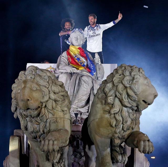 ◆リーガ◆リーガ優勝セレモニーでクリロナさんが『WeAreTheChampion』を熱唱した結果www